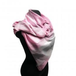 Duża chusta damska w kratę z połyskującą nitka różowa