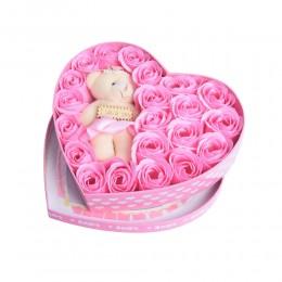 Prezent na Walentynki flower box różowe róże w pudełku z misiem