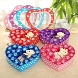 Prezent na Walentynki niebieski flower box róże mydlane z misiem