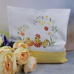 Wielkanocna poszewka na poduszkę haftowana 40x40 kurczaki