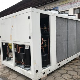 Chiller Weiss z wewnętrznym dry cooler 320 kW