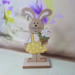 Wielkanocne dekoracje królik drewniany zając z kwiatkiem 19 cm