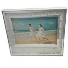 Biała plastikowa dekoracyjna ramka na zdjęcie z perełkami 21,5x19cm