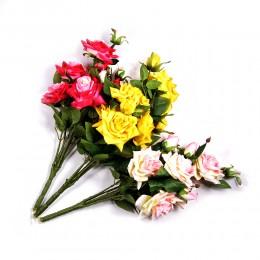 RÓŻE sztuczne kwiaty wyglądające jak żywe