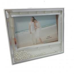Biała plastikowa ramka na zdjęcie z perełkami 17,5x15cm