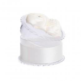 Białe ozdobne pudełeczko na biżuterię pierścionek kolczyki wisiorek