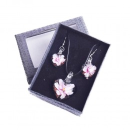 Komplet biżuterii kolczyki i naszyjnik na prezent różowe KWIATY